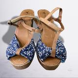 American Eagle Outfitters Shoes | American Eagle Bandana Sandal Sz 8 | Color: Blue/Tan | Size: 8