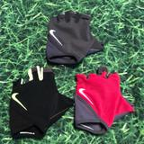 Nike Accessories   Left Hand Nike Padded Gloves. 3 Gloves   Color: Green/Black   Size: M