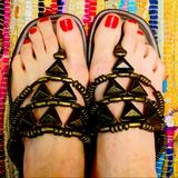 Jessica Simpson Shoes | Jessica Simpson Metal Flip Flops | Color: Black/Brown | Size: 8