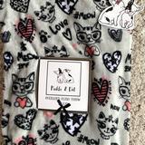 Disney Bedding | Pickle & Dot Oversized Plush Throw Cat Design | Color: Silver | Size: 60 X 70