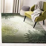 Safavieh Soho Collection SOH712G Handmade Starburst Premium Wool & Viscose Area Rug, 6' x 6' Square, Green / Multi