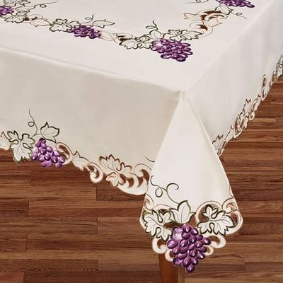 Cabernet Oblong Tablecloth Light Cream, 70 x 84, Light Cream