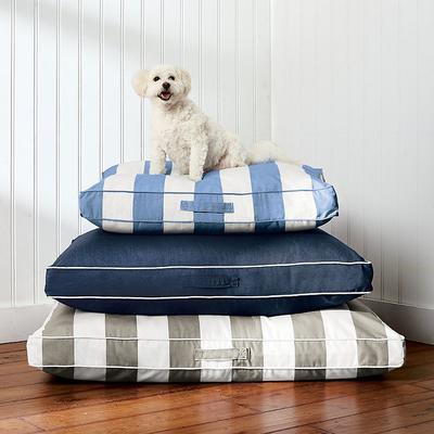 Resort Pet Bed -...