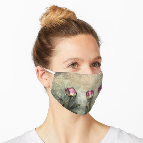 Drei getrocknete Rosen Maske
