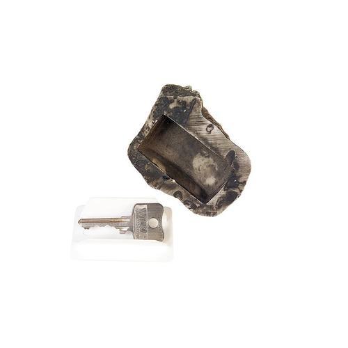 Schlüssel-Versteck in Steinoptik: 2