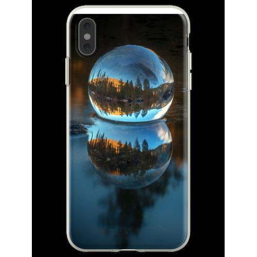 Lichtbrechung und Reflexion Treffen Castle Lake in einer Kristallku Flexible Hülle für iPhone XS Max