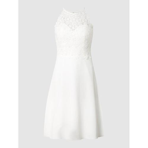Luxuar Brautkleid mit Cut Out