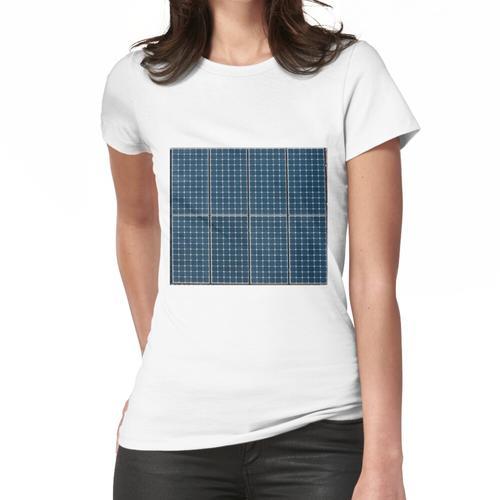Sonnenkollektor auf einem Haus. Frauen T-Shirt