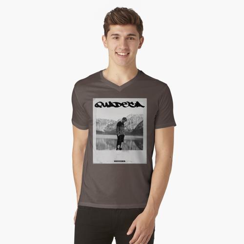 QUADECA t-shirt:vneck