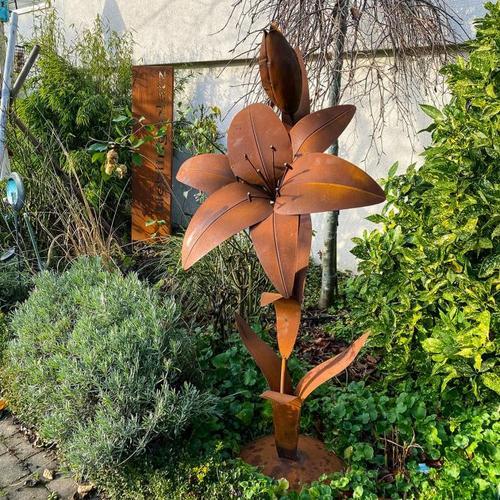 Gartenfigur Lilie mit Bodenplatte, Edelrost, 148 cm
