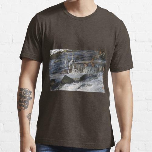 Eiszapfen über dem Avon Essential T-Shirt