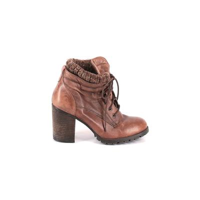 Steve Madden Boots: Brown Solid Shoes - Size 9