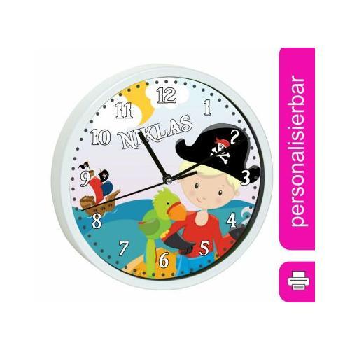 Kinder Wanduhr personalisiert mit Name Pirat nah weiß