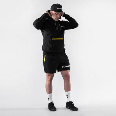 Body & Fit Sportkleidung Hero te...