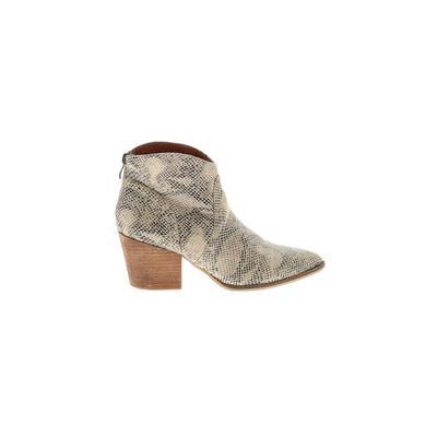 Beast Fashion - Beast Fashion Ankle Boots: Ivory Print Shoes - Size 8 1/2